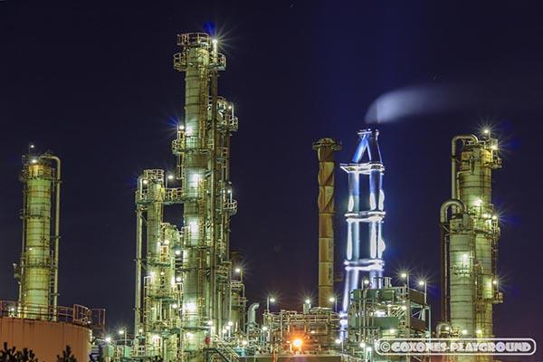 JXTGエネルギー室蘭製造所の煙突群