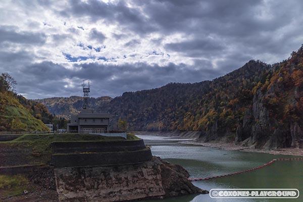豊平峡ダムの湖