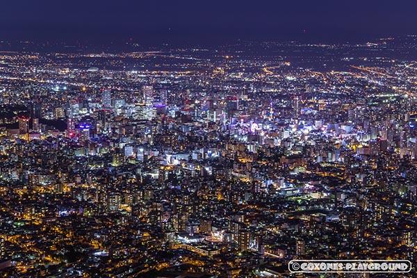 藻岩山山頂からの札幌市街地の夜景