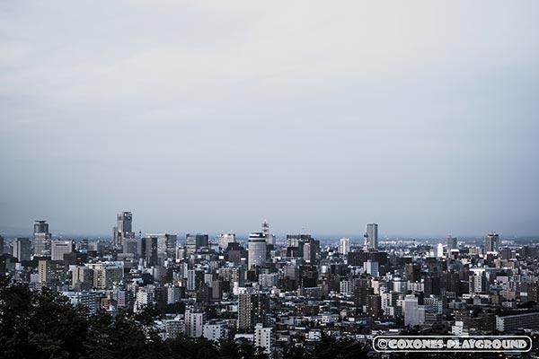 夕方の札幌市中心部の風景