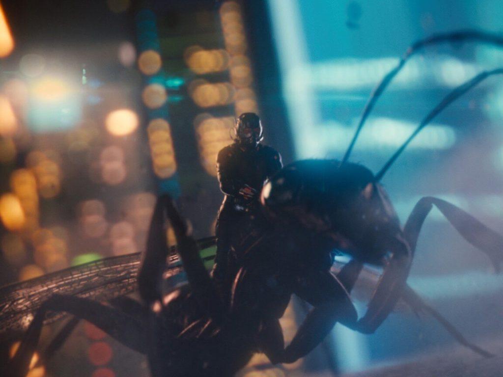 蟻を駆使するアントマン