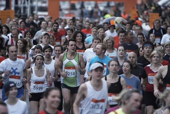 マラソンに出るデニス