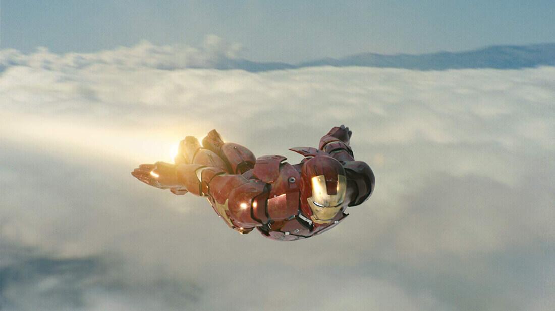 空を飛ぶアイアンマン