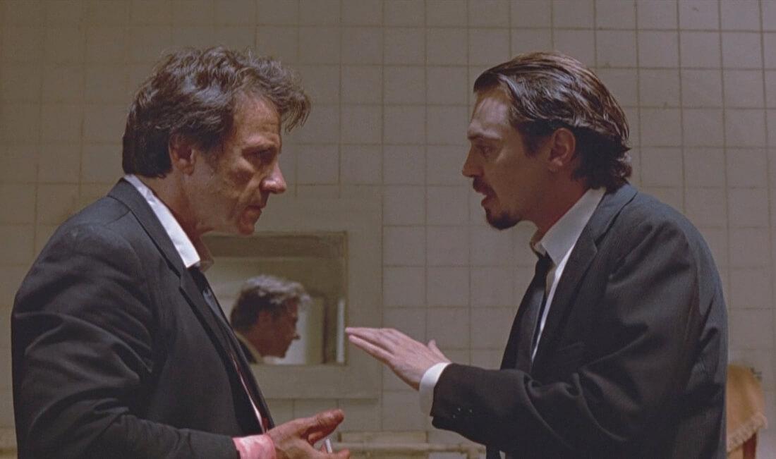 裏切り者について話し合う二人